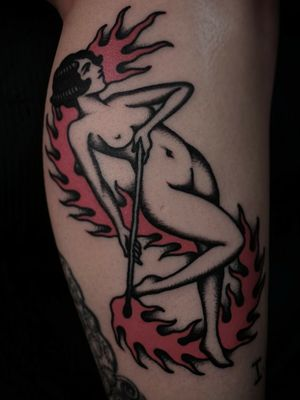 Tattoo by Sven Anholt #SvenAnholt #Anholttattoo #fire #lady #Pinup #oldschool #match #flame