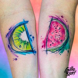 Kiwi & Sandia🥝🍉 Agenda abierta Agosto/ Septiembre Contacto: guilleryanarttattoo@gmail.com . . . . #watercolor #fruits #kiwi #sandia #tattoscute #acuarela #sketchstyle