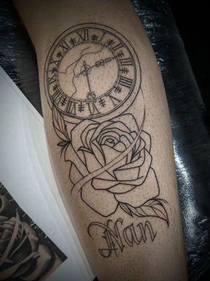 Clock and rose . . . #blacktattoo #blackworkers #blxckink #camdenink #camdentattoo #darkartist #femaletattooist #fineink #finelines #finelinetattoo #getinked #londontattoo #londontattooist #qttr #taot #tattoodo #thinlinestattoo #uktta #tttism #newink #clockandrosetattoo #clocktattoo #oldshool #oldschooltattoo #rosetattoo #legtattoo #familytattoo #nantattoo #traditionaltattoo