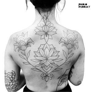 Ornamental back piece for @daijanala , thanks so much!! For appointments write me a dm or an email to pabloferrukt@icloud.com #ornamentaltattoo . . . . #tattoo #tattoos #tat #ink #inked #tattooed #tattoist #art #design #instaart #ornament #mandalas #tatted #instatattoo #bodyart #tatts #tats #friedrichshain #tattedup #inkedup #berlin #ornamental #geometrictattoo #ornamentaltattoos #berlintattoo #lotusflowertattoo #tattooberlin #backpiece #mandala