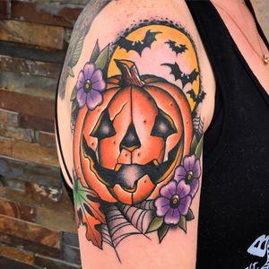 Pumpkin #pumpkin #jackolantern #halloween #halloweentattoo #bat #bats #traditional #traditionaltattoo #color #colorful #traditionaltattoos #TraditionalArtist