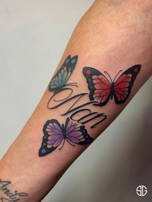 • 🦋🦋🦋• simple but very cool little tatt for Denise 🌸 perfected by our resident @dr.ivo_tattoo For bookings and info: •🌐 https://southgatetattoo.co.uk/booking/ •📧 info@southgatetattoo.co.uk •📱07456415895(WhatsApp only) ⚡️ ⚡️ ⚡️ #nuntattoo #butterfliestattoo #colortattoo #simpledesign #SGTattoo #northlondon #northlondontattoo #southgatetattoo #sg #londontattoo #london #cooldesign #cleanlines #sharptattoo