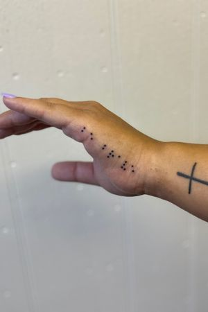Brail Hand tattoo micro Check out my instagram for @theelvastefanie