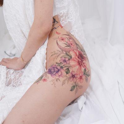 #flowertattoo #floraltattoo #moontattoo #rosetattoo #koreatattoo #koreatattooartist #seoultattoo #tattoo #colortattoo