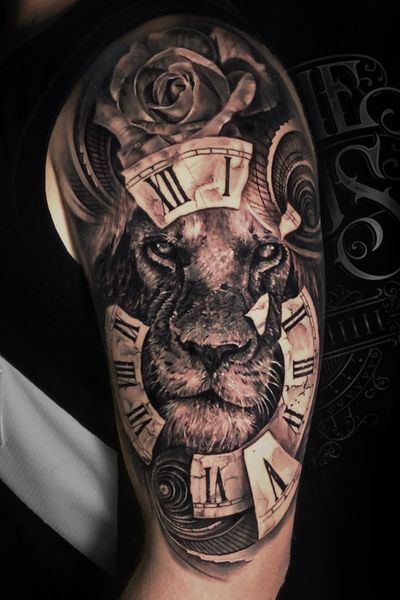 Lion with rose and clock #liontattoo #clocktattoo #torontotattoo #torontotattoos