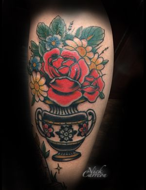 Vahz bouquet that was so much fun to put together, lines are healed but the color is fresh  : Second session