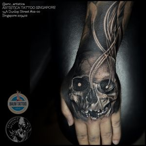 Skull on hand to connect the upper half sleeve. Thanks for viewing. ARTISTICA TATTOO SINGAPORE 74A Dunlop Street #02-00 Singapore 209402 ☎️ +65 82222604 #tattoo #tattooed #tattoolover #ilovetattoo #sgtattoo #singaporetattoo #blackandgrey #blackandgreytattoo #skull #handtattoo #realistictattoo #bodyart #manwithtattoo #nopainnogain #ericartistica #ericlohtattoos #artistica #artisticatattoo #artisticasingapore #balmtattoo #balmtattoosg #balmtattoosingapore #balmtattooartist #balmtattooteamsg #dragonbloodbutter #nedzrotary #criticaltattoosupply #sparkcartridges
