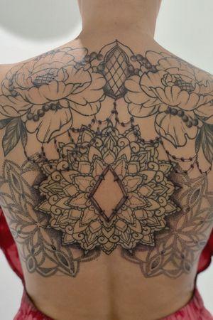 Back tattoo progress #backtattoo #mandalatattoo #dotworktattoo