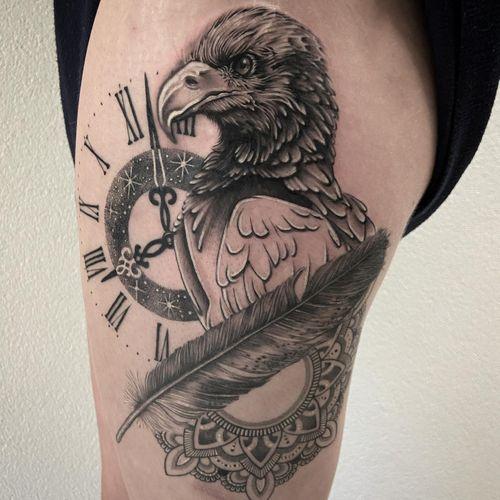 #tattoo #tatouage #realisticink #realistic #realism #eagle #eagletattoo #feather #feathertattoo #mandala #mandalatattoo #lausanne #tattoolausanne #fann_ink