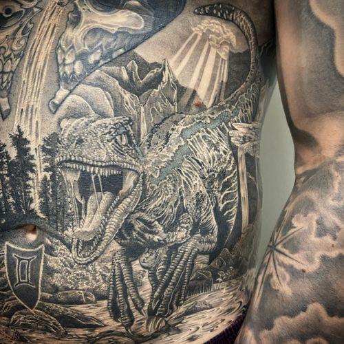 #realistictattoo #realisticink #tattoo #tatouage #raptor #raptortattoo #dinausore #dinausoretattoo #landscape #landscapetattoo #dotwork #dotworkers #dotworkrealism #lausanne #lausannetattoo #fann_ink