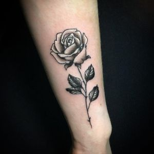 Little 🌹 #rose #rosetattoo #rosetattoos #roseart #smallrosetattoo #flower #flowertattoo #tinytattoos #tattoo #tattoos #tattoodo #tattooideas #handtattoo #forearmtattoo #tattooforgirls #tattooforwomen #blackandwhitetattoo #tattooforlife #tattoodesign #tatuaz #polacywholandii #polskawholandii #cheyennepen #tilburg #holandia #polskiestudio #expattattoo #nederland