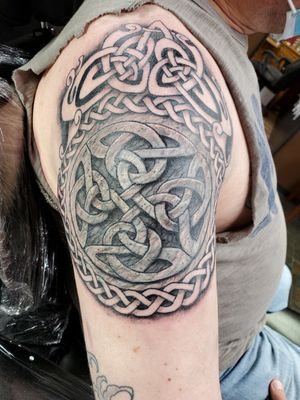 Cover up celtic knotwork shoulder from a few weeks ago