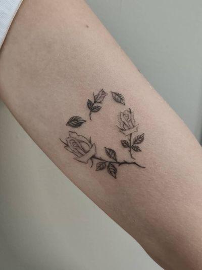 Handpoke tattoo rose