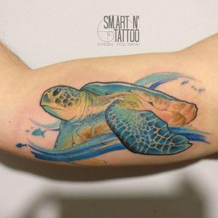 Sea turtle ? #realism #realistictattoo #colouredtattoo #turtletattoo #tattoodo