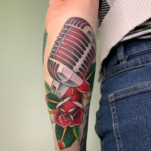 Microphone and rose