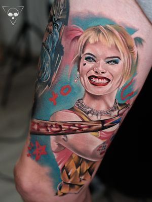 Harley Quinn as part of leg sleeve #frankfurt #germany #harleyquinn #köln #berlin #colortattoo #realism #portrait #legtattoo #michaellitovkin