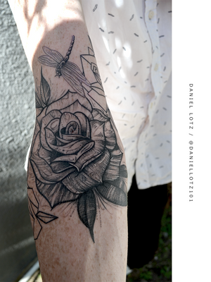 You've Been Thorned 🥀 . . . Super fun #illustrative and #geometric #rosetattoos by @daniellotz101 . . . . @flashheal @creamtattoosupplyza @tattooinc.co.za @ecotatpro @electrumstencilproducts @dynamiccolor @blackclaw @south_african_tattoo_society . . . FOR BOOKINGS : Email: info@kakluckytattoos.com Call: 021 422-2963 . . . #tattoo #tattoos #kakluckytattoos #mood #lekker #capetowntattoos #mood #love #staysafe #art #artists #wecandothis #belekker #safetyfirst #covid19prepared #goodvibes #keepsafe #art #artist #beauty #bigmood #instagood #instadaily #nature #picoftheday #photography #capetown #420 #fresh