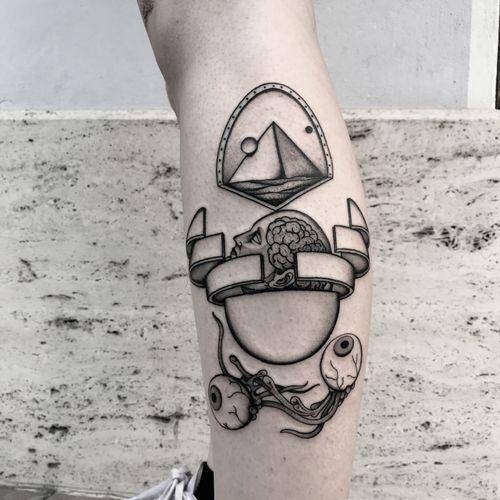 #totemica #buioOmega #tunguska #black #totalrecall #attodiforza #PaulVerhoeven #ArnoldSchwarzenegger #tattoo #originalsintattooshop #verona #italy #blackclaw #blacktattooart #tattoolifemagazine #tattoodo