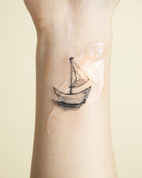 Small boat..⛵️