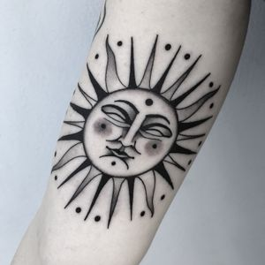 #totemica #buioOmega #tunguska #black #sun #cosmic #astronomy #astrology #tattoo #originalsintattooshop #verona #italy #blackclaw #blacktattooart #tattoolifemagazine #tattoodo