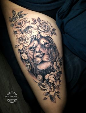 Realist lion combined with line work flowers