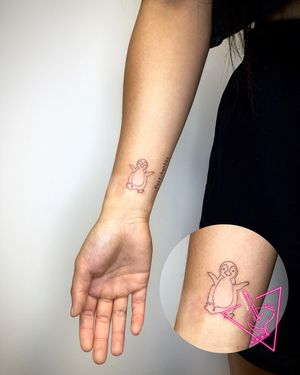 Handpoked Fine-Line Penguin Tattoo by Poleyhontas @ KTREW Tattoo - Birmingham, UK #penguintattoo #handpoked #handpoke #snp #stickandpoke #birminghamuk