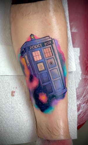 #tardis #doctorwho #thedoctor #scifi #galaxy #colour