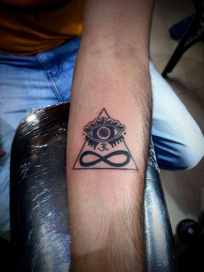 Illuminati Infinity. #meerut #getinkD #getinked #inkedmag #tattoodo #inkbox #tat #tuesday #love #work #tattoo #body #art #artist #tattoosofinstagram #instagramtattoos #instagood #instamood #instagram #follow #inkaddict #illuminati #illuminatitattoo #infinity #infinitytattoo #tattooideas #tattoosociety #tattooworld #tattoolifestyle #likeforlikes