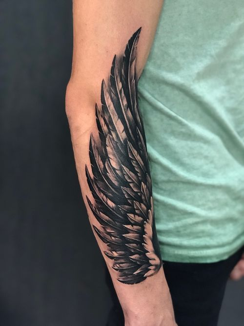 New wing #wing #blacktattoo
