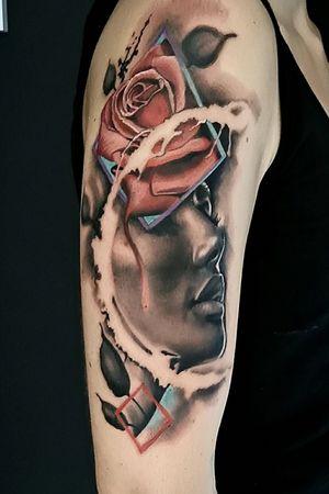 Hello  aujourd'hui  session de 7h pour se projet réaliste abstrait un grand merci à ma cliente Megan Letertre d'avoir fait 200km et de m'avoir laisser carte blanche, se type de projet me fait kiffer 👍🏾👍🏾👍🏾 Bras en cours... By Thedoud Cissé @prilaga #tattoofreakz #beardsandtattoos #blackandgraytattoo #facetattoos #studiotattoo #moontattoo #girltattoo #tattoo_artwork #tattoomodel #tinytattoos #portraittattoo #beetattoo #tattooshow #instattoo #hktattoo #blacktattoo #balitattoo #tattooinstagram #frenchtattoo #asiantattoo #tattoos #prilaga #blacktoptattooing #tattoo2me #religioustattoo #tattooedcommunity #blackworktattoo #portlandtattoo #tattoosketch #tattoolettering