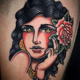 Lady head tattoo by Manu Santana #girlhead #gypsy #rose #oldschool #traditional #sevendoorstattoo #manusantana