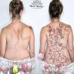 Scoliose cover #MartaMadrigal #fineline #dotwork #illustrative #flower #ornamental #scarcoverup #coveruptattoo #bird