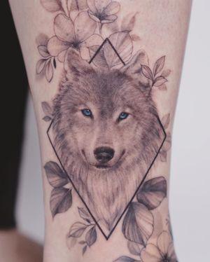 #wolftattoo #wolf #blackwork #blackworktattoo #geometric #geometrictattoo #ankletattoo