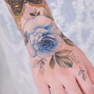 Rose hand tattoo by Tattooist Silo #TattooistSilo #hand #handtattoo #flower #floral #rose #watercolor #color #korea #tattooartist