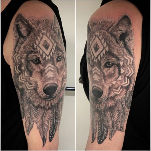 #tattoo #tattoooftheday #tatouage #wolf #wolftattoo #realistic #realistictattoo #realisticink #animal #animaltattoo #feather #feathertattoo #lausanne #lausannetattoo #tattoolausanne #fann_ink