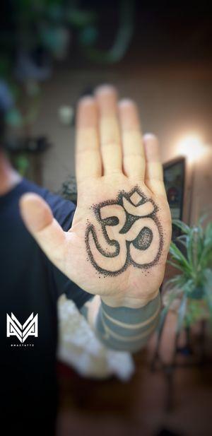🕉OHMMMMMM🕉 Handpoke Ohm tattoo done inside the hand