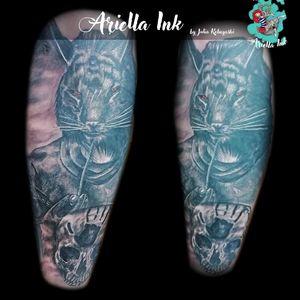 Khajiit and Dark Brotherhood #tattoo #tattoos #freshink #freshlyinked #blackandgreytattoo #blackandgrey #realistic #realistictattoo #skull #skulltattoo #khajiit #khajiittattoo #thedarkbrotherhood