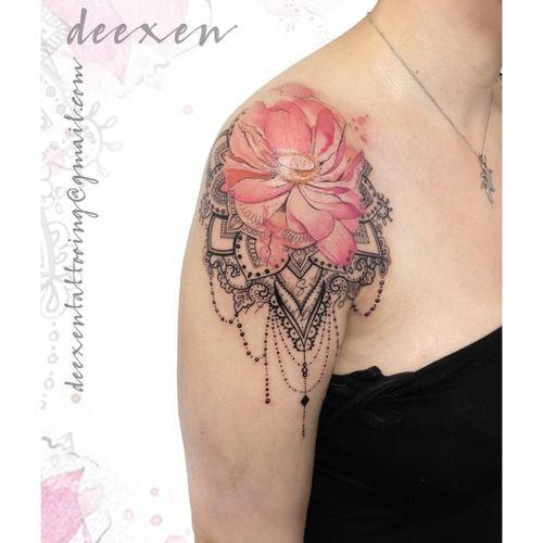 Unconditional Love ➡️Contact: deexentattooing@gmail.com 🌸Merci Sarah! . . . #mandalalove #beautiful_mandalas #tatouagefleur #hennainspire #mandalart #hennainspiration #tatouages #lotusflower #tatouagefemme #lotusflowertattoo #lotustattoo #pearljewelry #mandalatattoos #hennadesigns #tatouageparis #tatouagefrance #deexen #deexentattooing