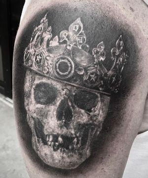 #skull #crown #realism #blackandgrey #subliminal