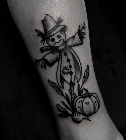 Halloween scarecrow traditional tattoo by satanischepferde #halloweentattoo #halloween #creepy #scary #scarecrow #autumn #traditionaltattoo #pumpkin #blacktattooing