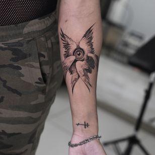 tattoo by Konstantin aka strokinwork #Konstantin #strokinwork #eye #wings #blackandgrey #surreal