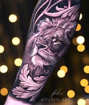 The king ⚜️ . . . . . #tattoo #leon #lion #bogota