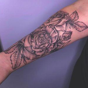 Roses are always fun🌹