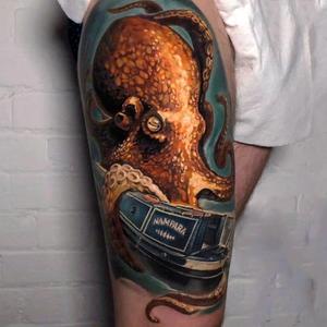 Octopus with English Riverboat #octopustattoo #krakentattoo