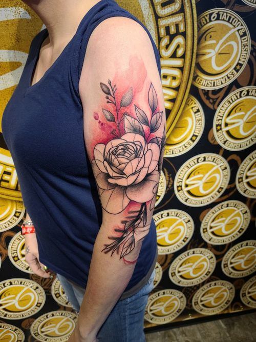 Watercolor peony #watercolortattoo #texasartist #inkedchick #ladieswithtattoos #cooltattoos #peony #flower #floral #abstract #largetattoo #tattoo