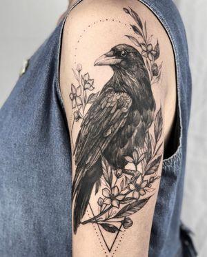 #crowtattoo #raventattoo #birdtattoo #naturetattoo #birbsofinstagram #blackwork #blxckink #floraltattoo #hawktattoo #tattoosforgirls #yyctattoo #yvrtattoo #vancouvertattoo #calgarytattooartist #calgarytattoo #nelsontattoo #nelsonbc #ferniestoke #bird #crow #raven #tattoo