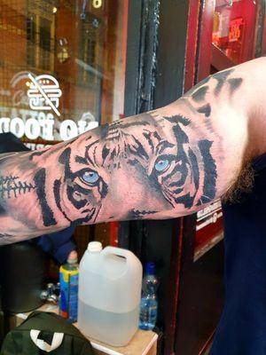 #Tiger #blueeyes #sleeve