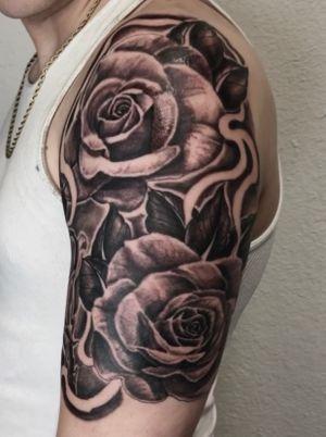 Black and grey rose sleeve