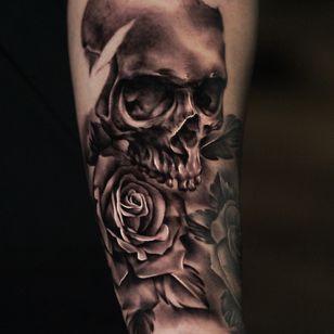 Tattoo by Nina Richards #NinaRichards #realism #skull #skeleton #rose #flower #floral