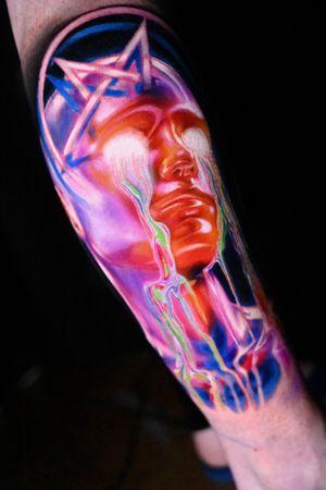 This is the best end of 2020.Wish everyone the best in 20121,happy new year to all!🎊🎊 IG:cathy_tattoo . . . . . . . . #chongqing #kurosumi #besttattoowork #realistictattoos #thelighttattoo #colortattoos #colortattooartist #tattooideas #tattoodesigner #cooltattoo #coolcolortattoo #neonlighting #neontattoo #besttattooartist #realismtattoos #cyberpunkart #cyberpunktattoo #lightarts #chengdu #shanghaitattoo #beijingtattoo #纹身 #刺青 #赛博朋克 #tattooideas #colortattooart